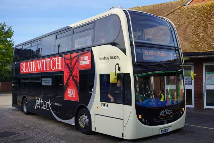 reading buses showbus bus image gallery. Black Bedroom Furniture Sets. Home Design Ideas