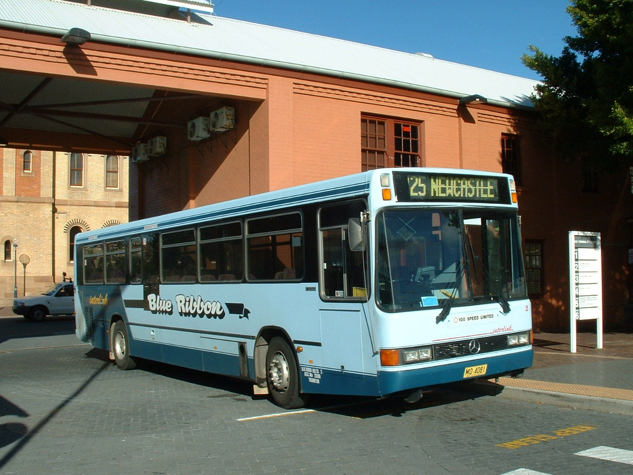 Blue Ribbon Mercedes O400